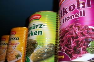Konserven sollten Sie meiden >>> Wenn möglich immer frisches Gemüse verwenden!